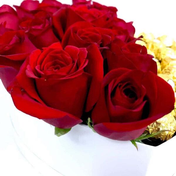 Almas gemelasr en Puebla, Caja de rosas y chocolates, Florerías en Puebla, Flores a domicilio Puebla