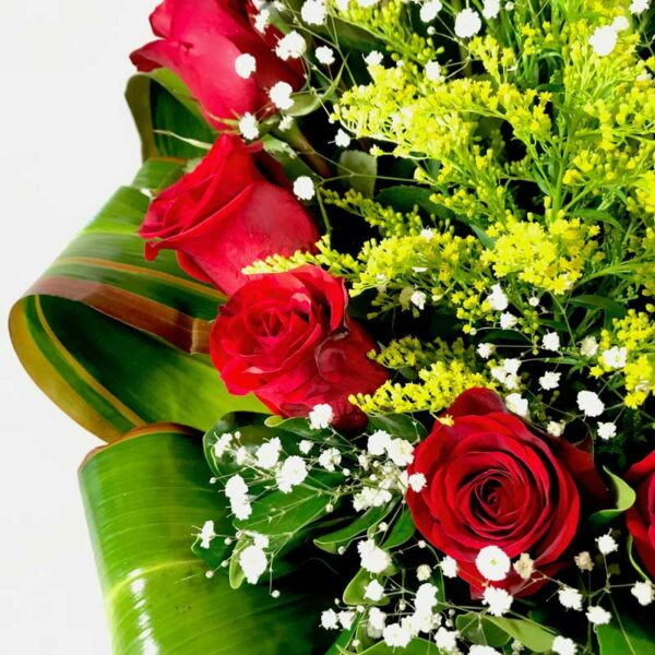 Camino a ti  en Puebla, Arreglo de rosas rojas y gerberas,  Florerías en Puebla, Flores a domicilio Puebla