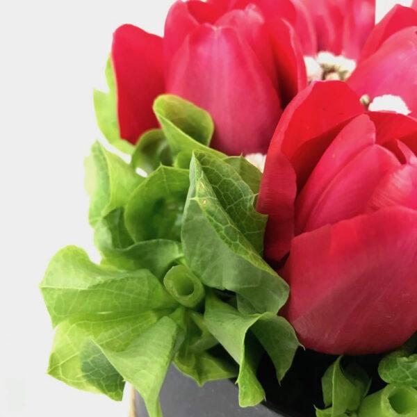 Lo escencial en Puebla, Caja de Tulipanes, Florerías en Puebla, Flores a domicilio Puebla