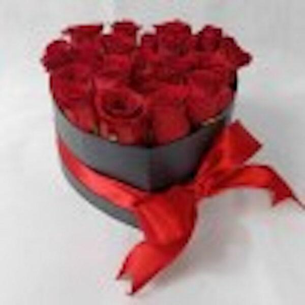 Murmuro de amor en Puebla, Caja de rosas en forma de corazon, Florerías en Puebla, Flores a domicilio Puebla
