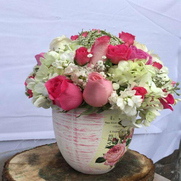 París con amor en Puebla, Arreglo vintage con rosas, Florerías en Puebla, Flores a domicilio Puebla