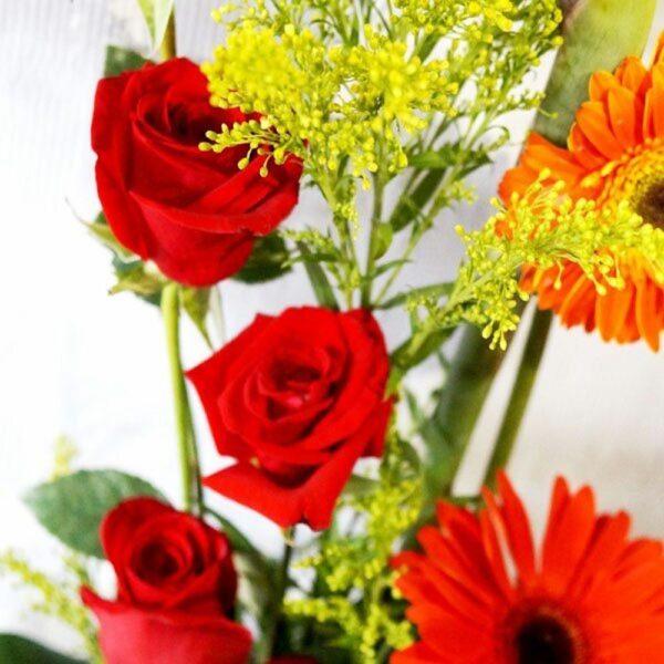 Un detalle en Puebla,Arreglo de flores y rosas, Florerías en Puebla, Flores a domicilio Puebla