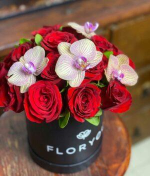 Deseo, Caja con rosas con Orquideas en Puebla, Caja de rosas, florerías en Puebla