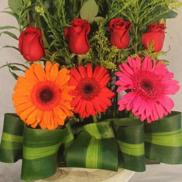 Amor Mágico, Arreglo con rosas rojas en Querétaro, Florerías en Querétaro, Flores a domicilio Querétaro