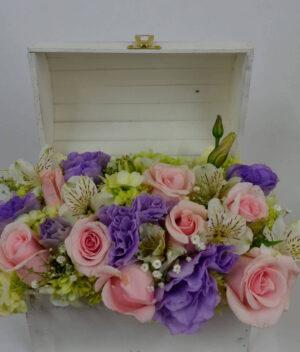 Aromas del alma, Baúl de flores y rosas Querétaro, Florerías en Querétaro, Flores a domicilio Querétaro