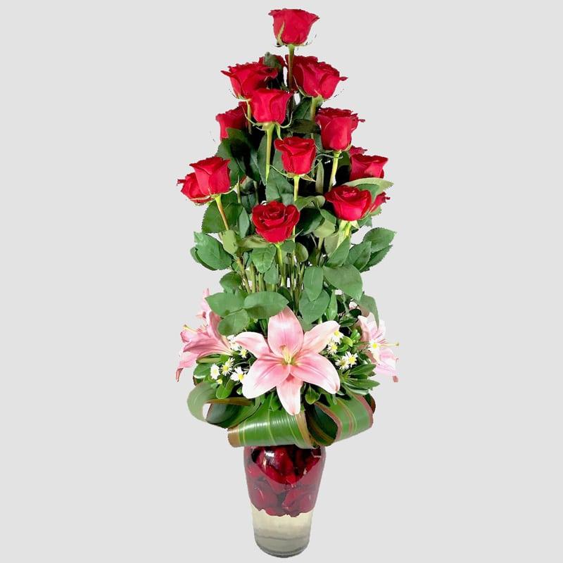 A las nubes. Arreglo de rosas rojas - Florerías en Tijuana, Arreglos Florales Tijuana