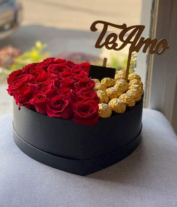 caja de rosas, florerías pachuca, cajas de flores con chocolates