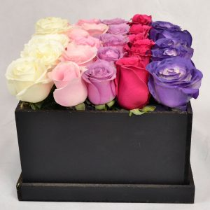 Colores de amor, una magnifica combinación que expresan cuanto te quiero. Amor púrpura. Envía flores y mensajes coquetos con Floryou. Florerías en Pachuca.