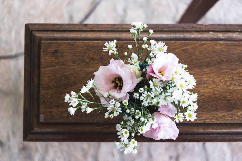 Qué Considerar Al Comprar Arreglos Florales Para Difuntos