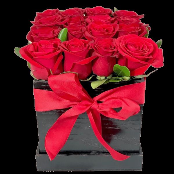 Nuestro secreto - caja de rosas rojas